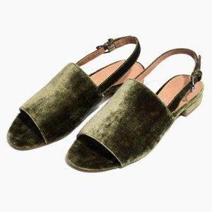 61a0f2f191d Women s Slingback Sandals Flat on Poshmark